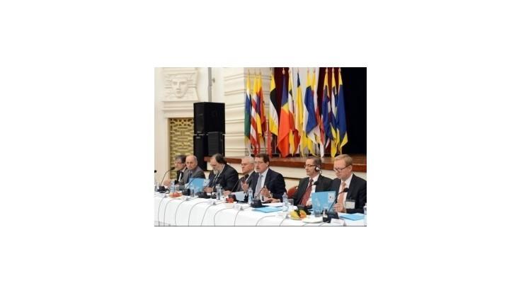 Začala sa konferencia, ktorá má podporiť mier na Ukrajine