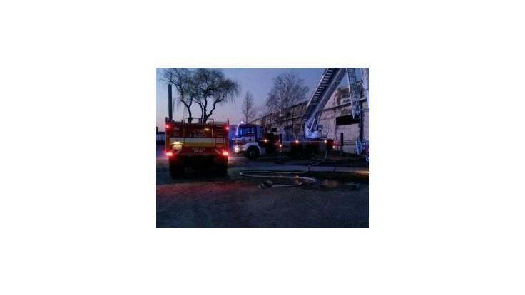 Výrobnú halu v Galante zachvátil obrovský požiar