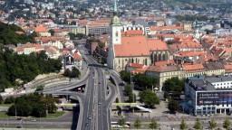 Bratislava znižuje vizuálny smog, reklamným trojnožkám v centre odzvonilo