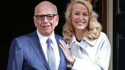 Mediálny magnát Murdoch sa oženil s bývalou manželkou Micka Jaggera