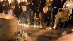 Pripomíname si výročie Sviečkovej manifestácie, Dňa zápasu za ľudské práva