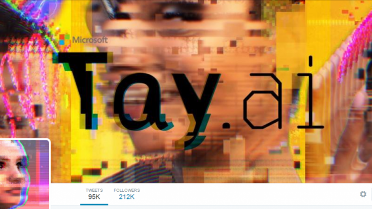 Robotická tínedžerka sa Microsoftu vymkla z rúk. Začala obdivovať Hitlera