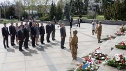 Fotogaléria: Politici si pripomenuli 71. výročie oslobodenia Bratislavy