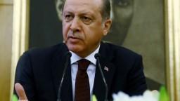Turci chcú trestne stíhať nemeckého komika pre báseň o Erdoganovi