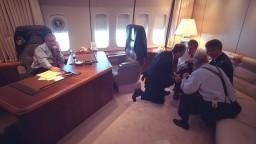 Nové fotografie ukazujú, ako reagoval Bush po útoku na Dvojičky