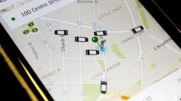 Českí taxikári chcú žalovať Uber, vraj škodí trhu aj zákazníkom