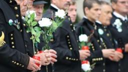 Deň bielych ruží: v Handlovej spomínali na obete veľkého banského nešťastia