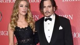 Amber Heard vysúdila od Johnnyho Deppa milióny a vzdala sa ich