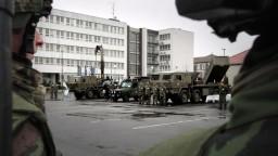 Armáda zriaďuje aktívne zálohy, vycvičí desiatky dobrovoľníkov