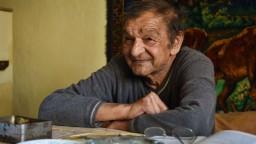 Rómsky spisovateľ žije v chatrči, obdivuje ho však aj úrad vlády