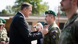 Vojaci sa vrátili z Bosny a Hercegoviny, armáda ich vyznamenala