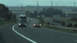 Po D2 uháňalo Ferrari, vodič prekročil rýchlosť o vyše 100 kilometrov
