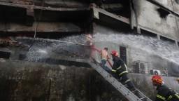 V Bangladéši explodovala továreň, požiar si vyžiadal obete