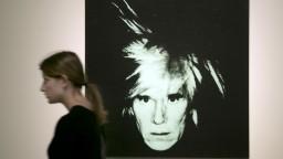 O Warholovi nakrútia životopisný film, stvárni ho známy herec a spevák