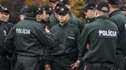 Vo Vranove odvolali policajného náčelníka, ten obvinenia odmieta