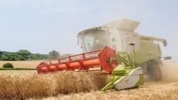 Na ruské sankcie doplácajú európski poľnohospodári, žiadajú ich zrušenie