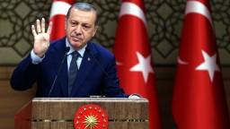 Nemci zrušili trestné stíhanie komika pre báseň o Erdoganovi