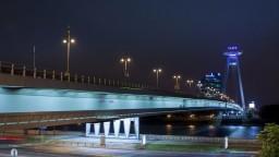 Fotogaléria: Most SNP predpovedá počasie. Čo znamenajú jeho farby?
