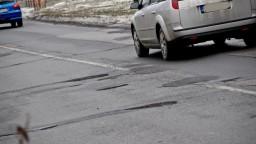 Bratislava opraví cesty i chodníky, na cyklotrasy sa zabúda