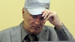 Za masaker v Srebrenici bude potrestaný, Mladič stojí pred súdom