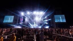 Na hudobnom festivale vypukla panika, v tlačenici sa zranili desiatky ľudí