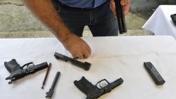 Česko chce umožniť občanom použitie zbrane proti teroristom