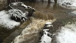 Kláštor pod Znievom ohrozila povodeň, hladina potoka stúpla takmer o pol metra