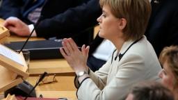 Mayová nemá konkrétny plán o vystúpení Británie z EÚ, tvrdí škótska premiérka