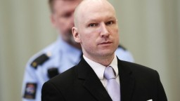 V Nórsku pokračuje proces s Breivikom, prednesol svoje argumenty