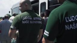Nový zákon Kotlebove hliadky z vlakov nevyhnal. Tvrdia, že sú len cestujúci
