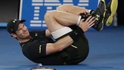 Murray vystrašil fanúšikov, turnaj nakoniec dohral so zranením