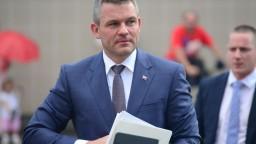 Holjenčík by mal v prípade pochybenia úradu odstúpiť, tvrdí Pellegrini