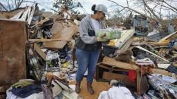 Juhovýchod USA zasiahli silné búrky, zahynulo najmenej 18 ľudí