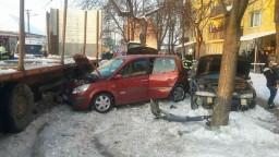 V Tornali vrazil do áut kamión, nehoda si vyžiadala jeden život