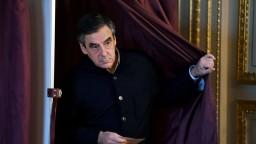 Fillon kritizuje Merkelovú, vyzýva k obnoveniu hraničných kontrol