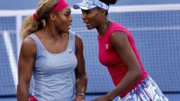 Serena bude čeliť sestre Venus, v grandslamovom finále sa nestretli roky