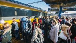 Železnice po odchode RegioJetu posilňujú dopravu na hlavnej trati