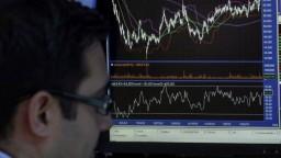 Rekordný vývoj na americkom akciovom trhu ovplyvnil aj Áziu a Európu