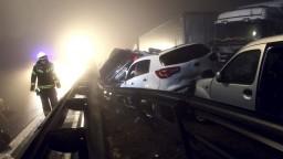 V Poľsku došlo k hromadným haváriám, desiatky ľudí sa zranili