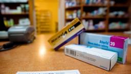 Problémov s nedostupnými liekmi je oveľa menej, pomôcť mohli sankcie