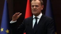 Boje na východe Ukrajiny sa vyostrujú. Tusk vyzval na ich ukončenie