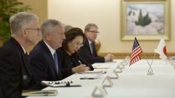USA stojí bok po boku s japonským národom, vyhlásil Mattis