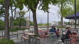 TA3 z Francúzska: Otvárajú sa terasy i múzeá, panuje optimizmus