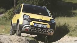 Fiat Panda Cross spája úžitok a štýl. Môžete sa s ňou vybrať aj na huby?