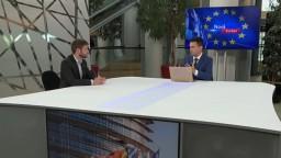 Kritika Maďarska za prístup k LGBT