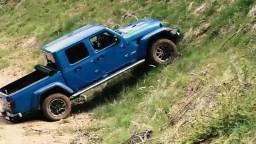 Motoring: Luxusný Jeep Gladiator na náročnom teréne a výkonný plug-in hybrid Kia Ceed SW PHEV