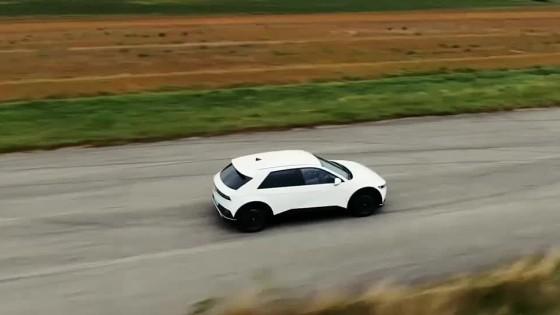 Motoring: Dizajnové umenie v podaní Hyundai Ioniq 5 a nové dodávky od Renaultu