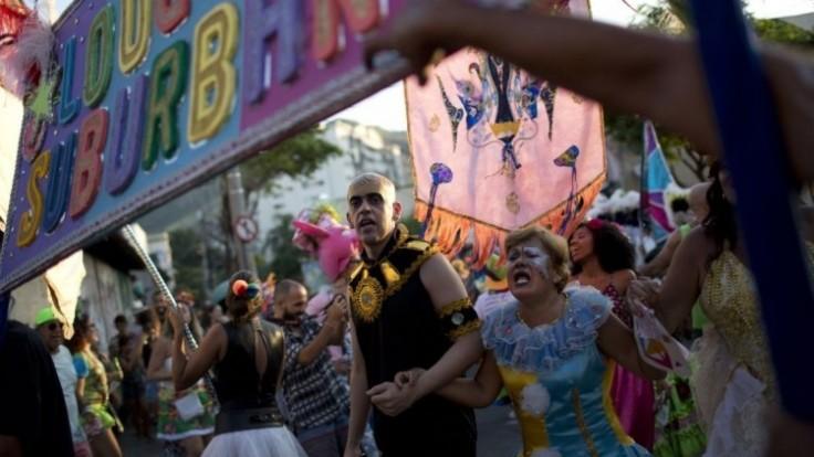 brazil-carnival-60767-12bc8835c8b94fd9b326643fb2c7a4aa_0a000002-b67d-c7b4.jpg