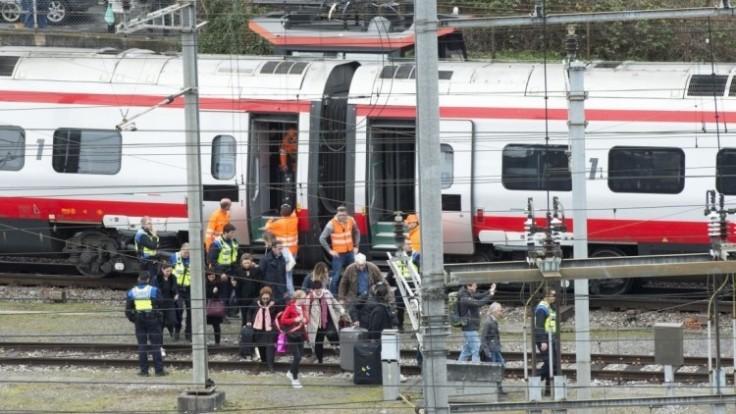 switzerland-train-derailed-34891-08943eb81d9c447fbd2da9ea95c49fce_0a000002-a751-d7da.jpg