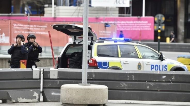 sweden-truck-crash-30594-7fef8cbe82984c8db796db0d68195dd5_0a000002-bbda-04b7.jpg